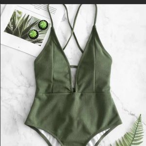 NWTO zaful olive green 1piece swimsuit Size M